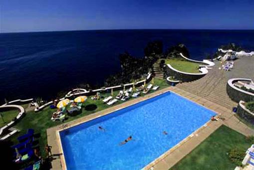 piscina struttura alberghiera