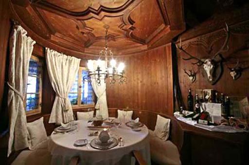 ORTISEI: Ristorante Relais Chateau, una stube